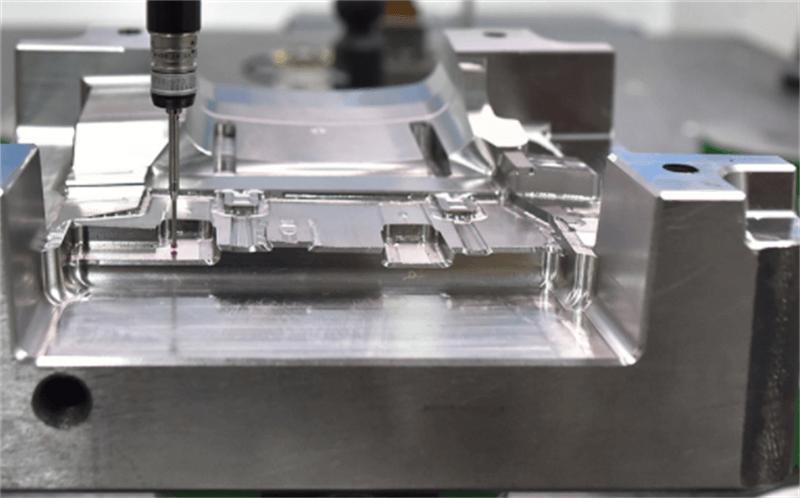 precision moulds maker7